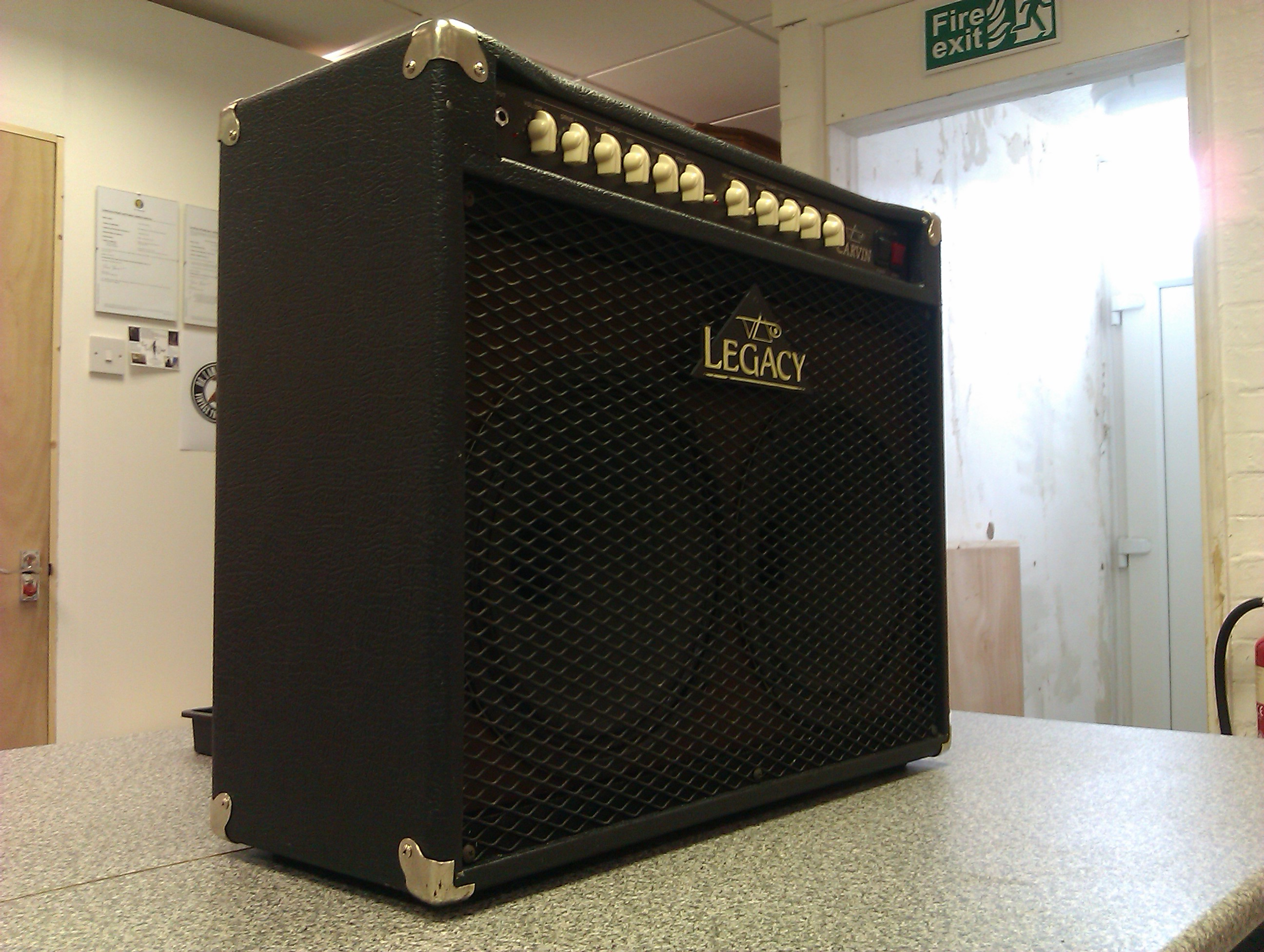 An interesting 100W combo with the capability to use either EL34 or 6L6 output valves