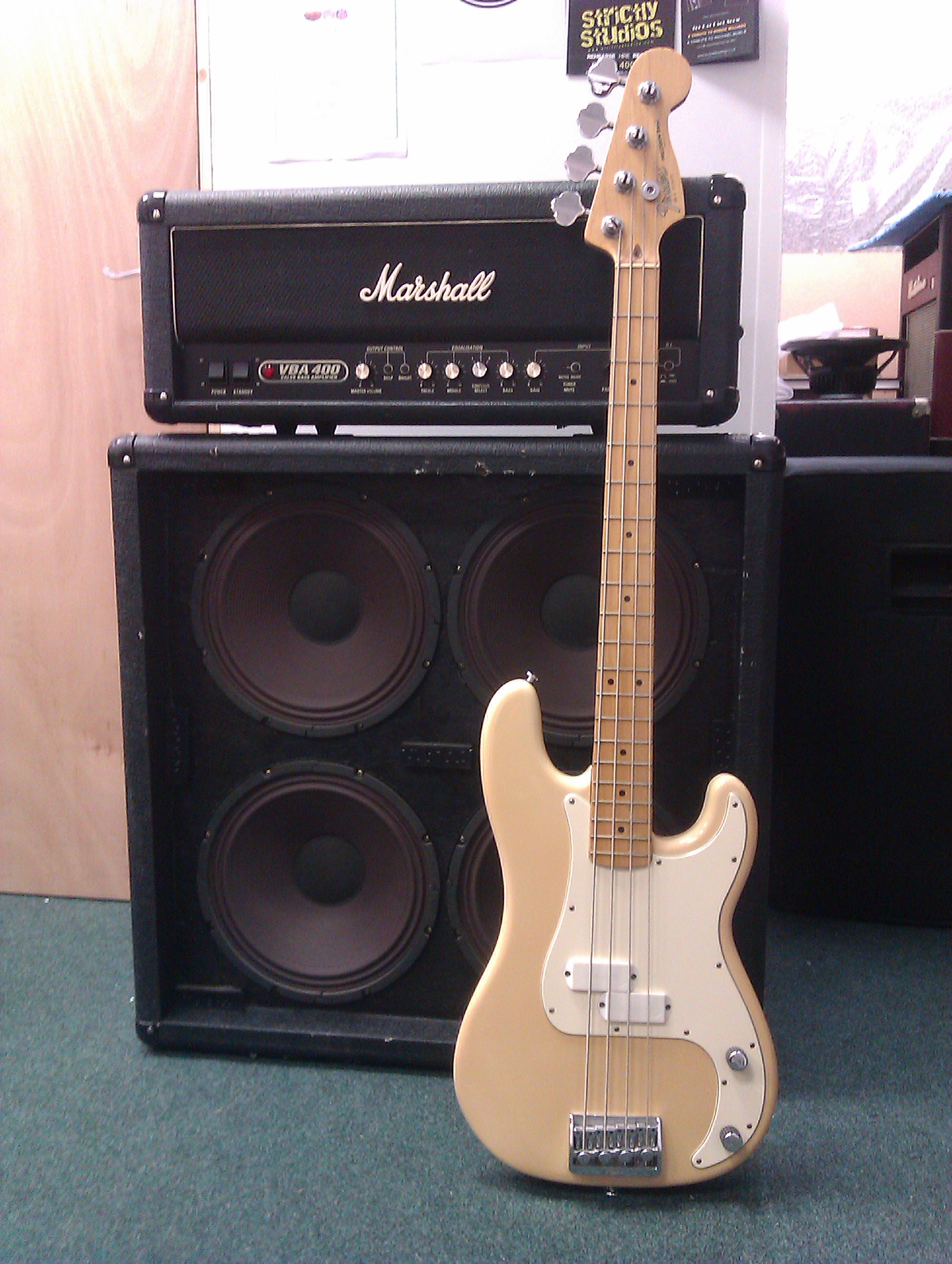 Marshall VBA400 4x12 rig with Fender Elite Precision Bass