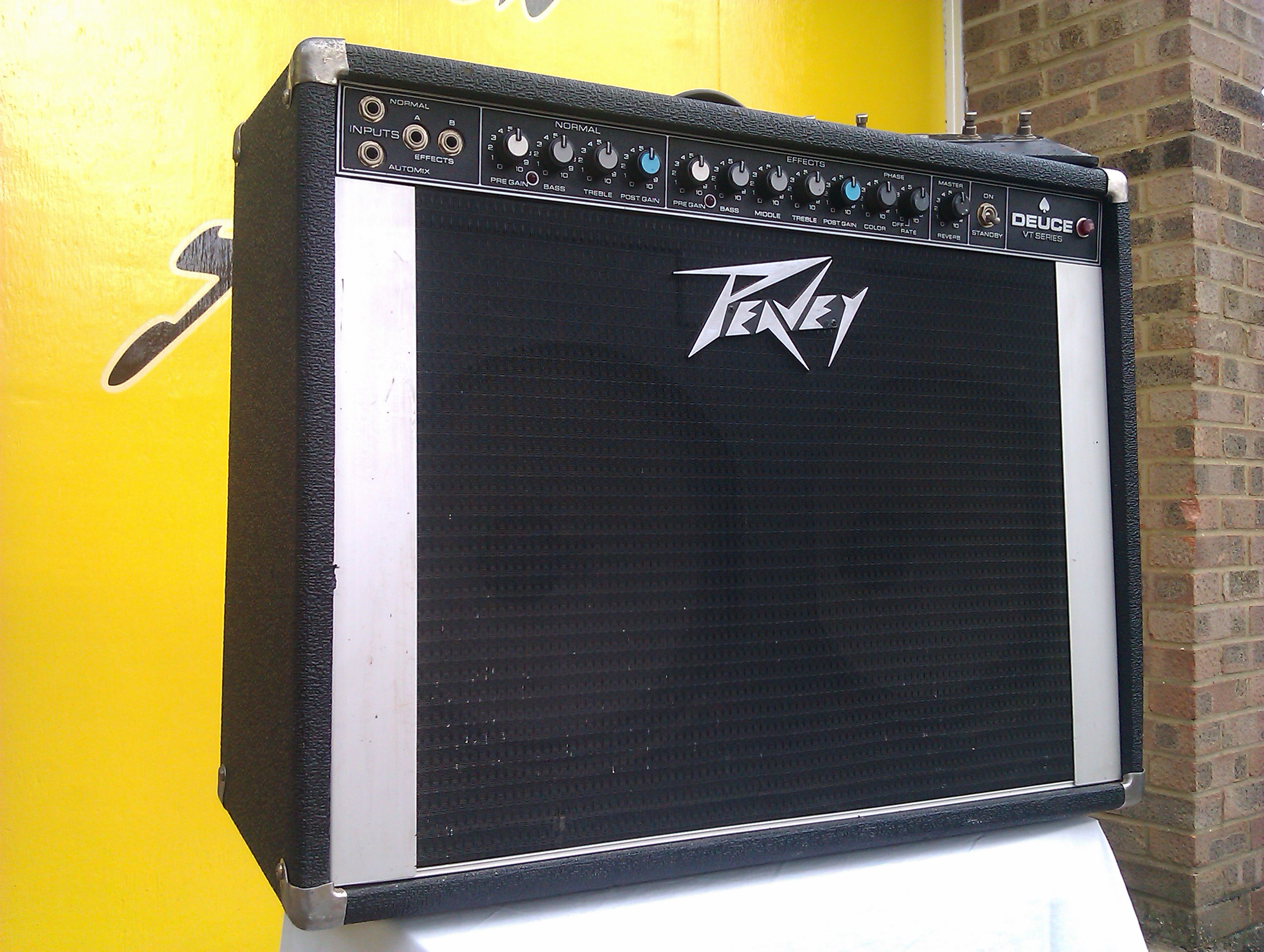 Sadly under-rated amp, with great tone and power capability