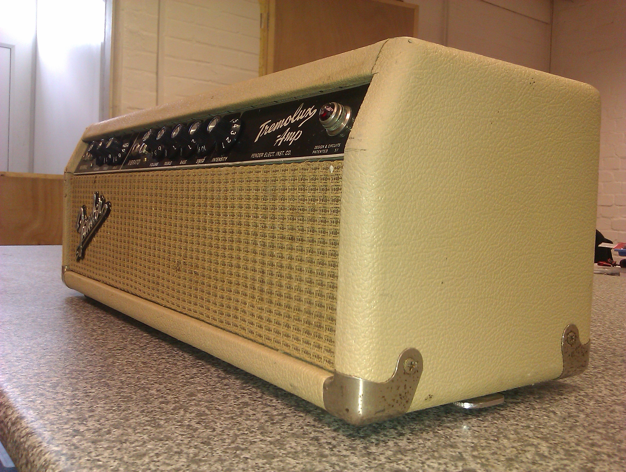 Tone aplenty and serious tremolo vibe from this superb vintage valve amp